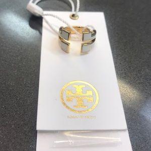 ❤️❤️.  NWT Tory Burch  Gold & Ivory Tunic-T Ring